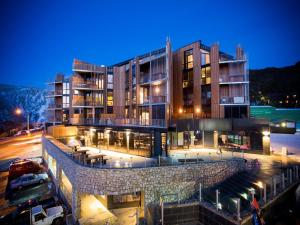Falls Creek Hotels