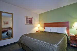 Comfort Suites At Sabino Canyon, Szállodák  Tucson - big - 48