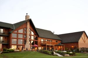 Crooked River Lodge - Hotel - Alanson