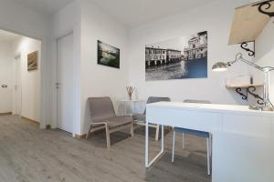 La Casa dei Cedri R&B, Penzióny  Reggio Emilia - big - 9