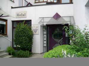 Hotel Gasthof Traube - Fellbach
