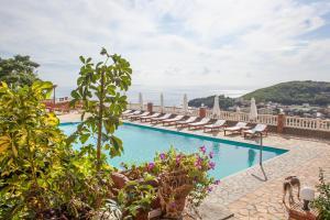 Hotel Llazari - Një Maj