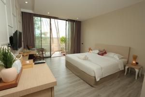 Navela Hotel and Banquet - Ban Pak Ngam