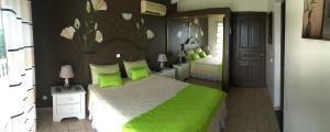Your Paradise Villa, Nyaralók  Orient Bay - big - 18