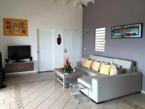 Your Paradise Villa, Holiday homes  Orient Bay - big - 22