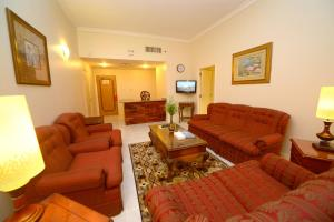 Nejoum Al Emarat, Hotels  Sharjah - big - 53