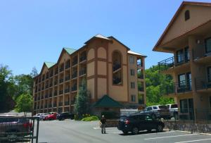Summit Manor Condominiums - Townsend