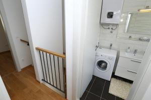 Apartment Parlov 2, Apartments  Podstrana - big - 33