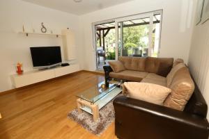 Apartment Parlov 2, Apartments  Podstrana - big - 31