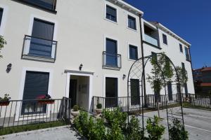 Apartment Parlov 2, Apartments  Podstrana - big - 20