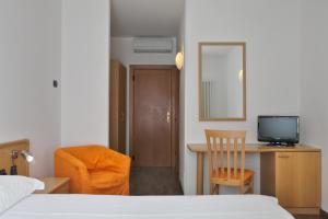 Sporthotel Villa Stella, Hotel  Nago-Torbole - big - 41