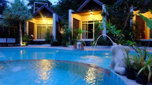 Baan Klang Aow Beach Resort - Chongchang