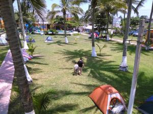 Hotel y Balneario Playa San Pablo, Отели  Монте-Гордо - big - 99