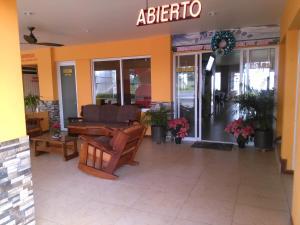 Hotel y Balneario Playa San Pablo, Отели  Монте-Гордо - big - 132