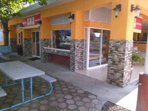Hotel y Balneario Playa San Pablo, Отели  Монте-Гордо - big - 134