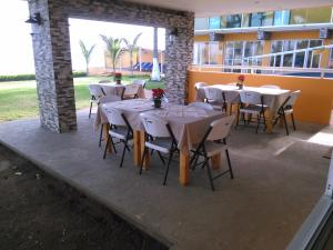 Hotel y Balneario Playa San Pablo, Отели  Монте-Гордо - big - 147