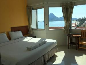 Prachuap Beach Hotel, Affittacamere  Prachuap Khiri Khan - big - 15
