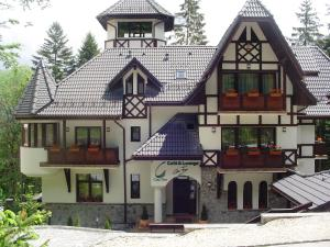 Pension Casa Tom - Accommodation - Sinaia