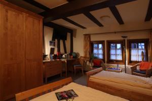 Hotel im Hochzeitshaus, Hotels  Schotten - big - 9