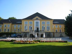 Bischof-Benno-Haus - Commerau
