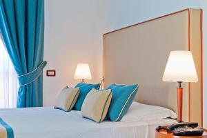 Mediterranea Hotel & Convention Center, Szállodák  Salerno - big - 16