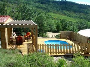 Location gîte, chambres d'hotes Modern Chalet in Roquetaillade with Pool dans le département Aude 11