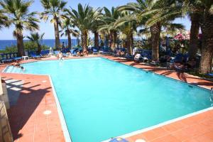 Hostales Baratos - Palm Bay Hotel