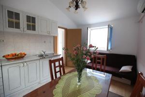Apartment Jure, Apartmanok  Trogir - big - 15
