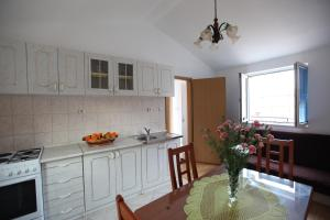 Apartment Jure, Apartmanok  Trogir - big - 14