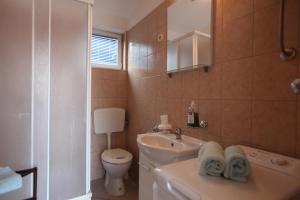 Apartment Jure, Apartmanok  Trogir - big - 12