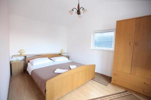 Apartment Jure, Apartmanok  Trogir - big - 11
