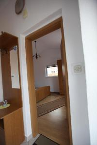 Apartment Jure, Apartmanok  Trogir - big - 10