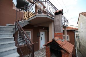 Apartment Jure, Apartmanok  Trogir - big - 6