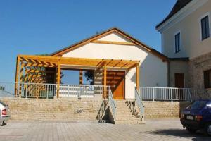 Lisensky Dvur, Guest houses  Sněžné - big - 25