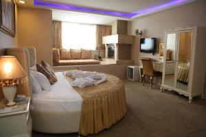 Отель Golden