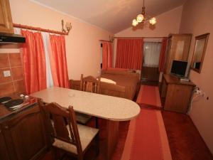 Apartments Vrata Baranje, Penzióny  Bilje - big - 2