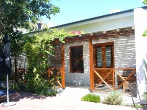 Deluxe Twin Room with Garden View Air Condition Malherbe Guesthouse