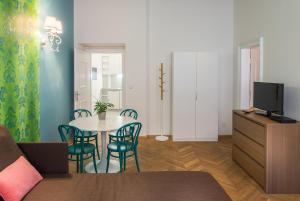 7 Tales Suites, Residence  Praga - big - 24