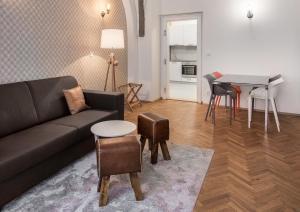 7 Tales Suites, Residence  Praga - big - 29