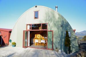 Barn Bed and Breakfast - Accommodation - Waitati