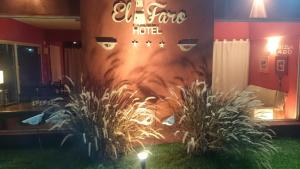 Hotel El Faro, Hotely  Ostende - big - 1