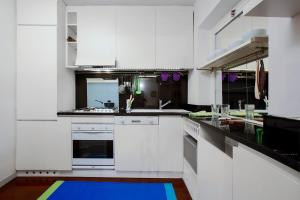 Vittoria Halldis Apartments, Apartments  Milan - big - 55