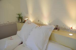 Location gîte, chambres d'hotes Couette Et Cafe Crème dans le département Eure et Loir 28