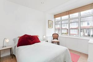 Edencourt Apartment - London