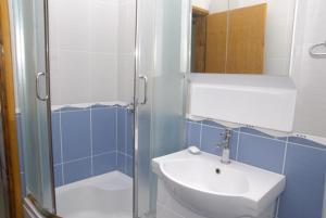 Apartments Dosljak, Apartmány  Tivat - big - 49