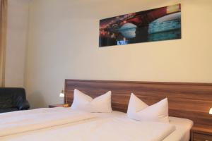 Hotelpension Margrit, Guest houses  Berlin - big - 18