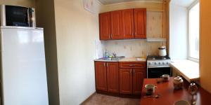 Apartment 4-y Mikrorayon, Апартаменты  Тихвин - big - 3