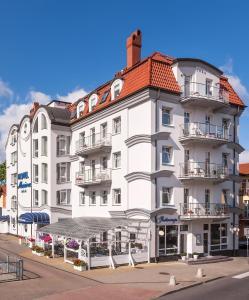 __{offers.Best_flights}__ Hotel Marina