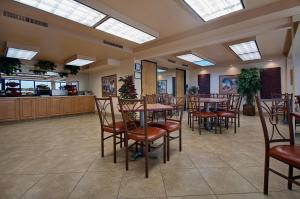 Ramada by Wyndham Mesa-Mezona Hotel, Hotel  Mesa - big - 33