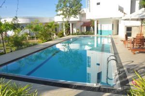 Grand Senrich Hotel Malwana - Yattowita